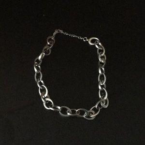 Ladies silver tone necklace